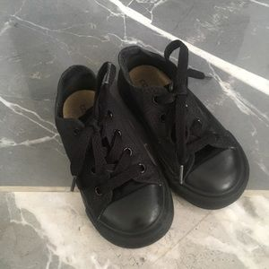 Converse unisex black size 7c low top